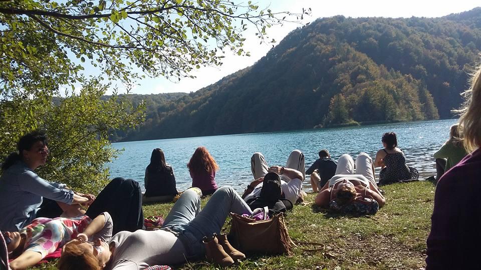 Plitvicei tavak partján