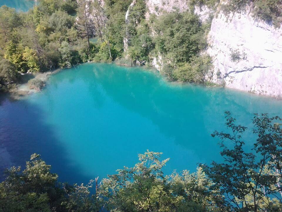 Plitvicei kiránduláson készült fénykép: 16 tó egyike a felső kilátából