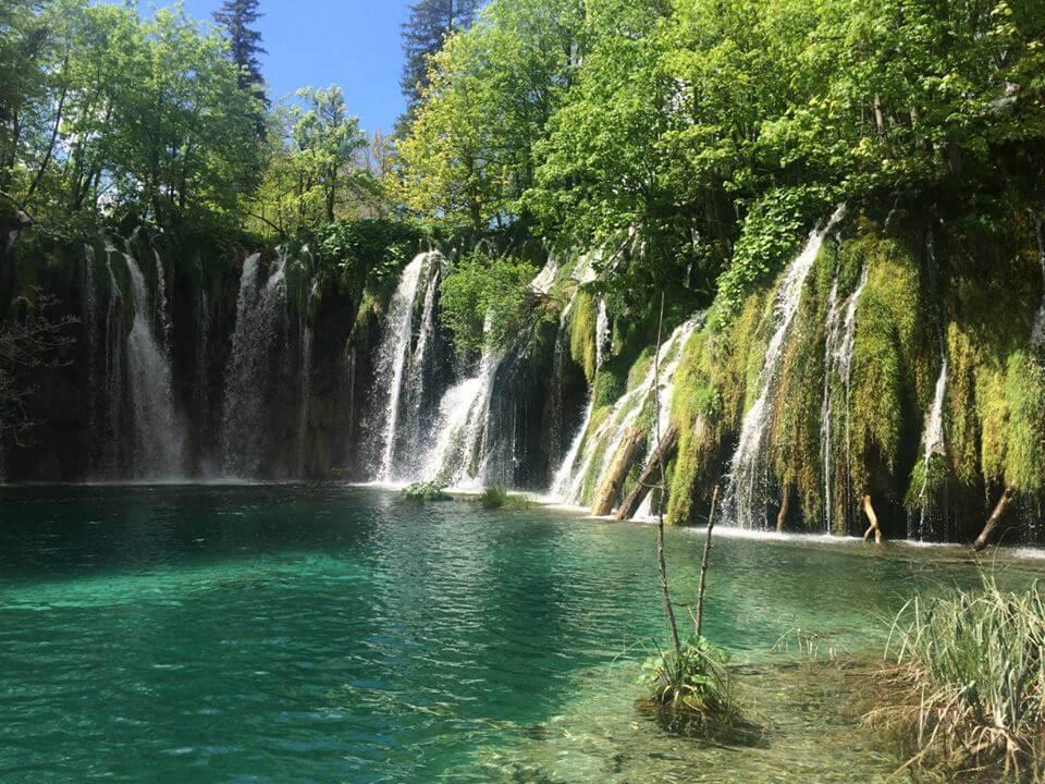 Plitvicei kiránduláson készült fénykép: Vízesés csoport